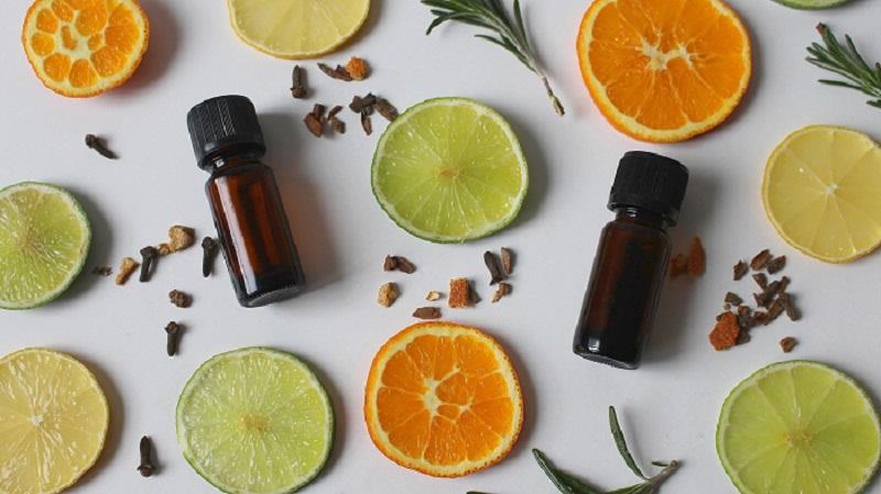 huiles essentielles anti-moustiques