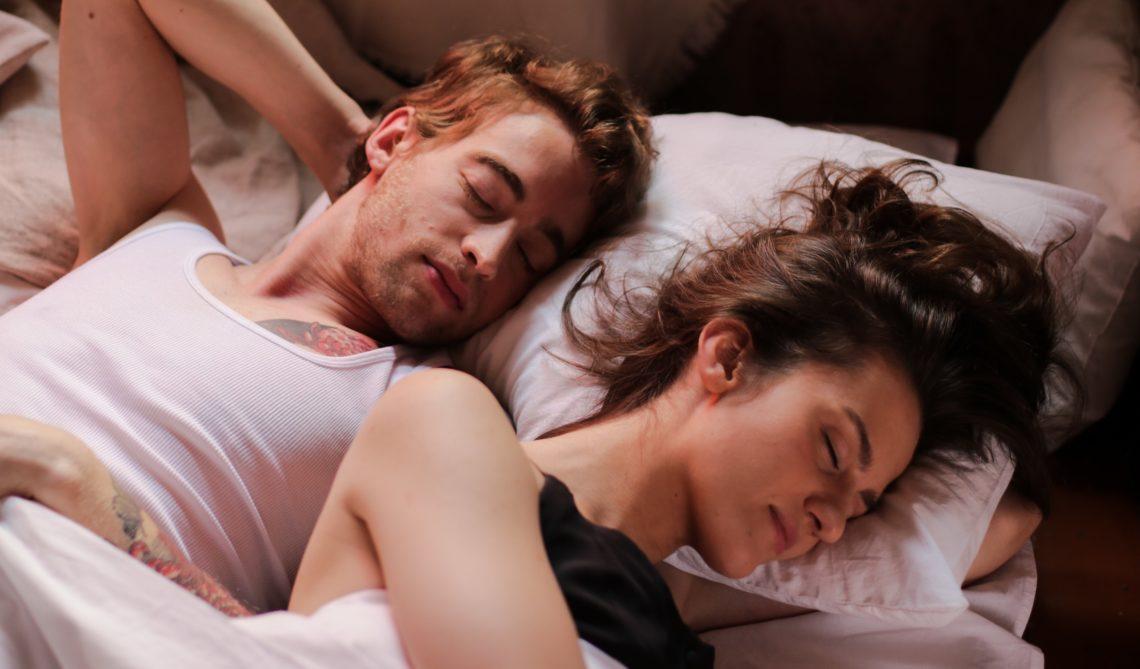 Avoir un bon sommeil pour afficher une santé au top.