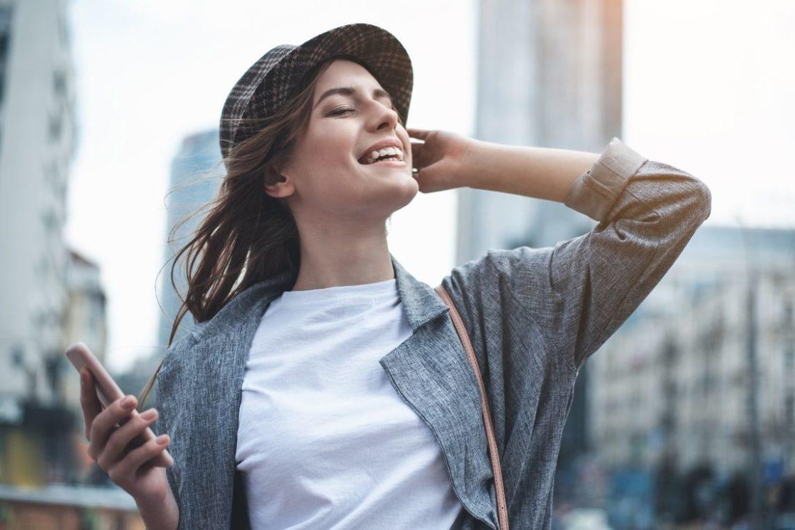 Conserver sa bonne humeur : les bénéfices du soin énergétique