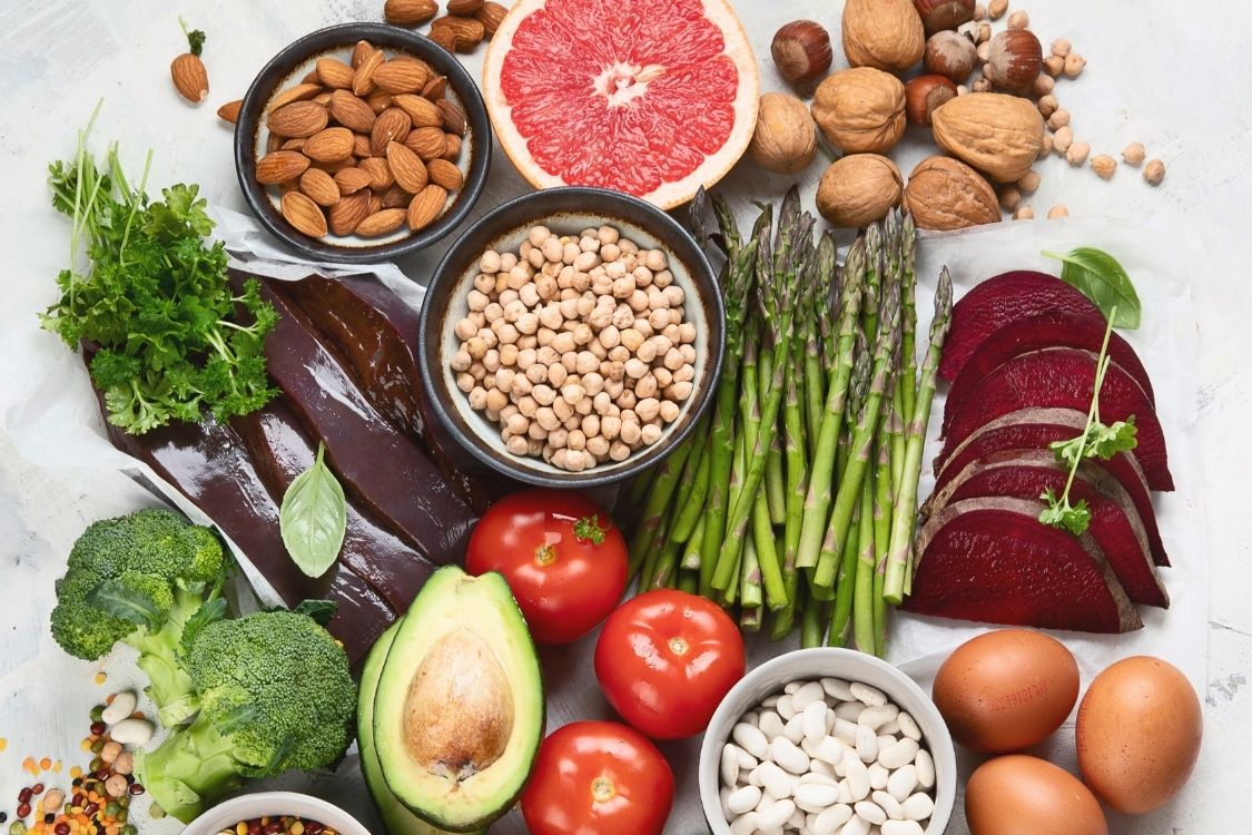 Les vitamines parmi les 7 piliers qui soulagent l'endométriose