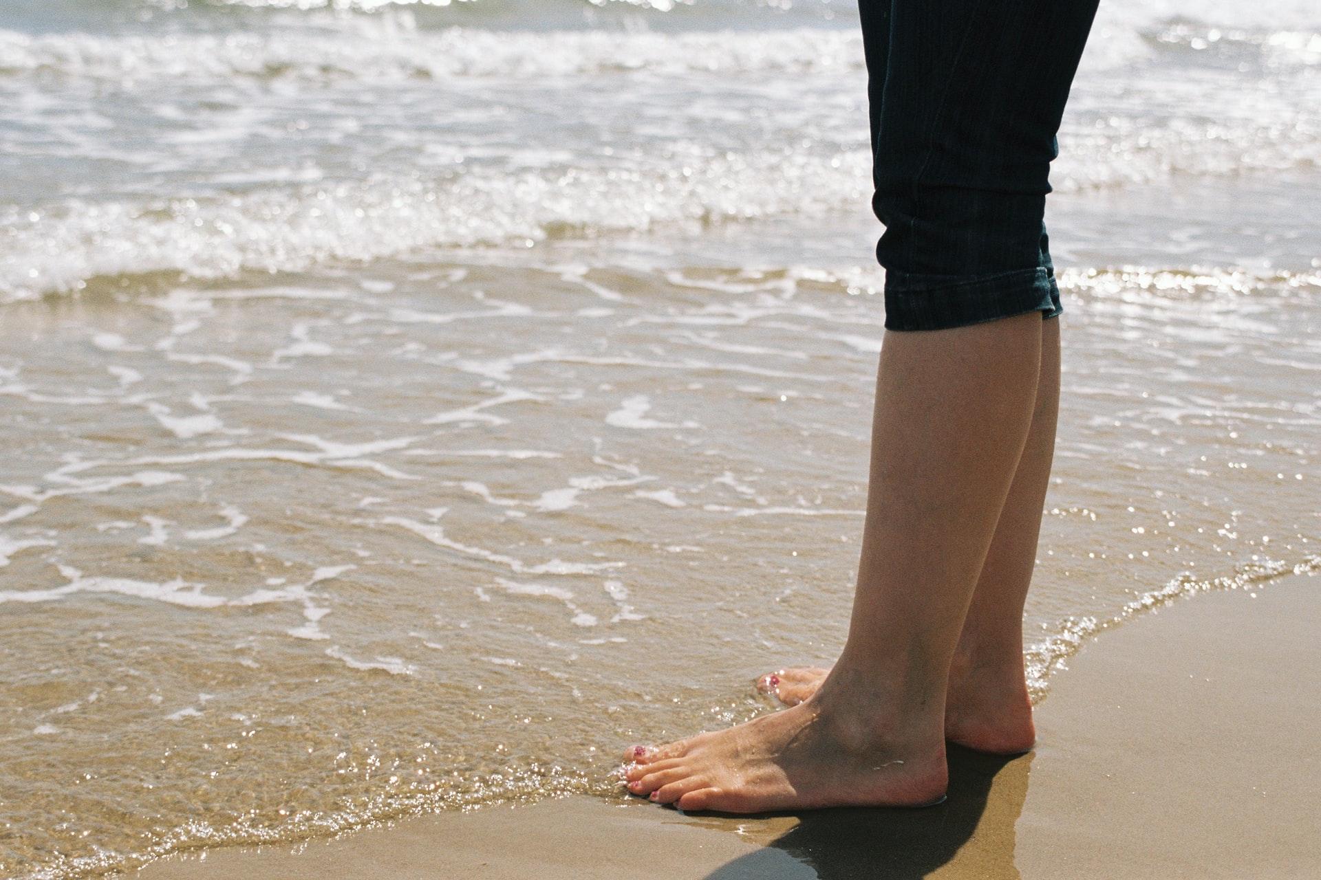 Réflexologie plantaire et relaxation : 4 astuces pour chouchouter vos pieds