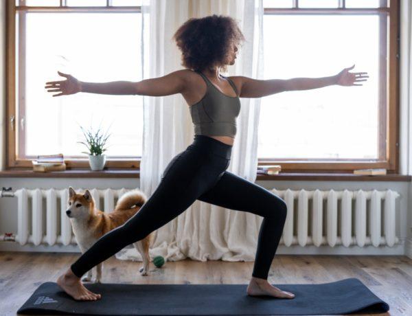 Dynamisme boosté grâce à la pratique du yoga