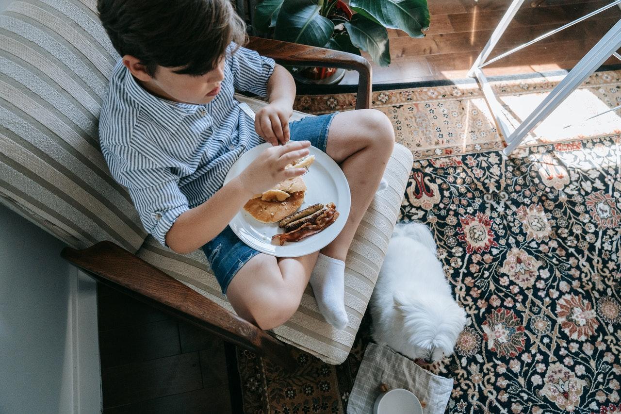 Enfant : quel petit-déjeuner idéal pour bien démarrer la journée ?